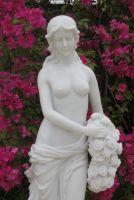 Isobella - 80 Statue