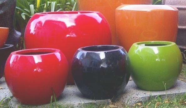 Lightweight Indoor Outdoor Ball Planter Size 1 Black